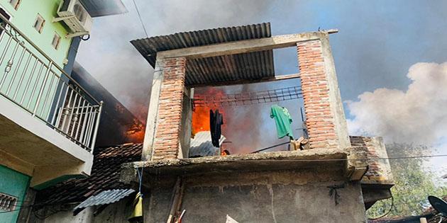 Empat Rumah Warga Kota Bima Disambar Api, Kerugian Ditaksir Ratusan Juta Rupiah
